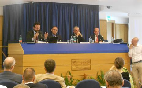 round table Italy