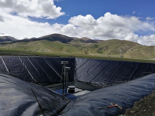 Improved design for giga-size pit heat storage